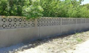 nieuwe muur rond terrein